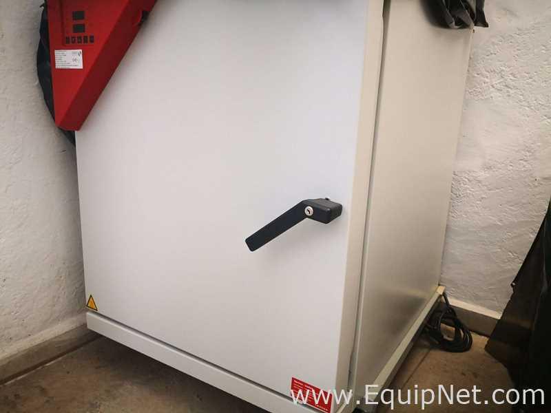 Incubadora Binder C150
