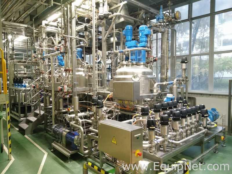Reactor de diseño central de 500 litros GEA PCL con patín CIP