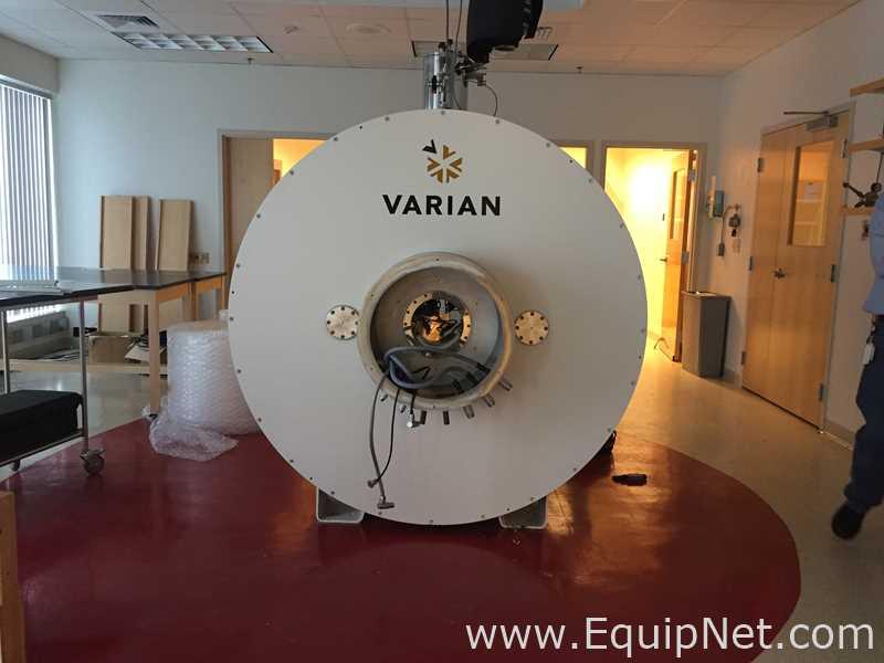 Varian-Agilent 7 Tesla - 300 MHz - 210 Milímetro AS Animal MRI System Imager com proteção ativa
